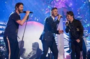 接招组合登顶英国专辑榜 新碟销量2018年最高